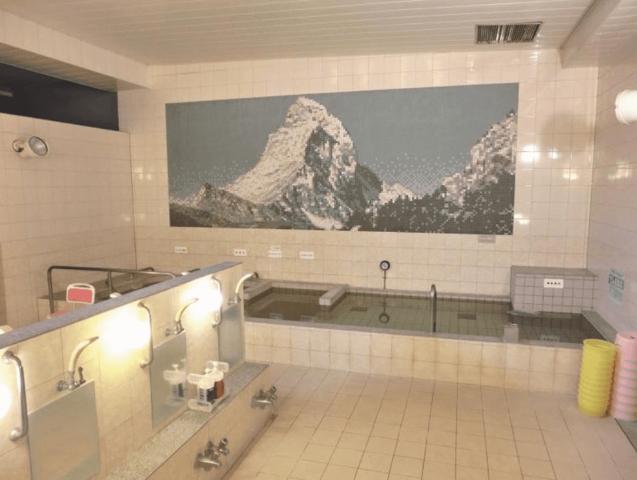世界湯_浴室_新宿区の銭湯
